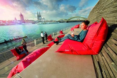 Köln möbliert / Furnishing Cologne,  Produkt: Fatboy Original Outdoor, Aussteller: FatboyFoto: Karsten Jipp; Koelnmesse